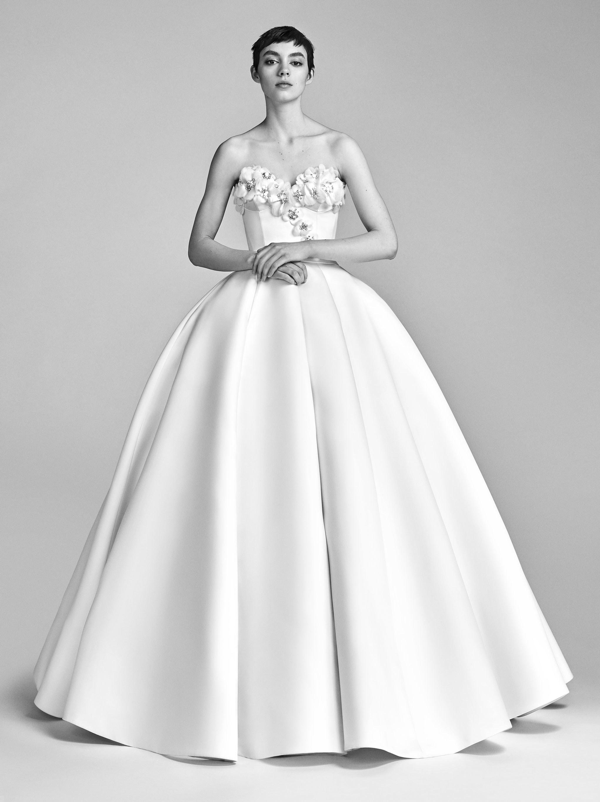 01-viktor-rolf-spring-18-bridal