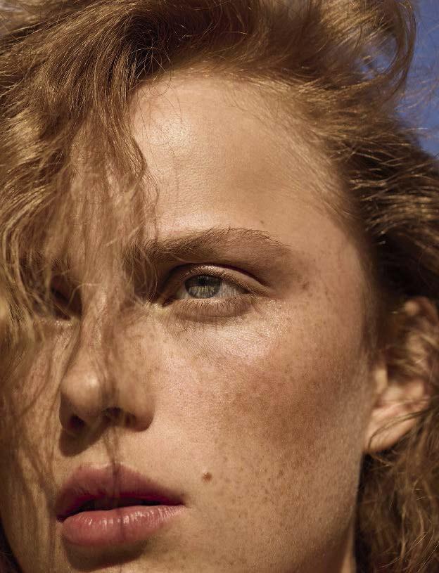 Rianne-van-Rompaey-by-Karim-Sadli-for-Vogue-Italia-May-2017-12