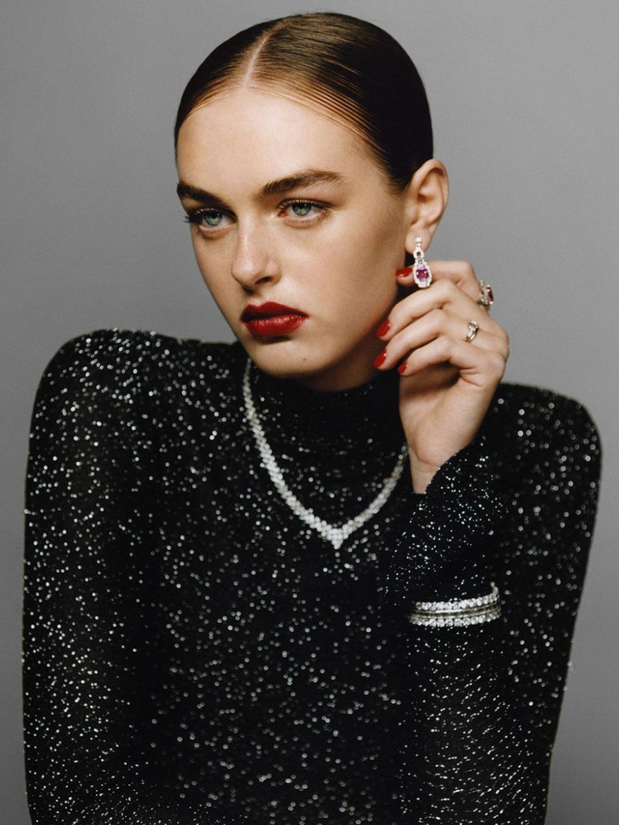 Emma256